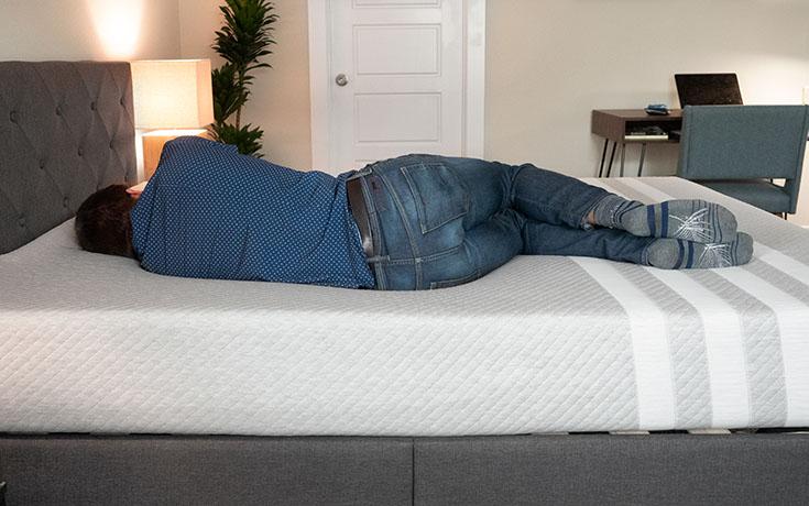 Leesa mattress for side sleeping