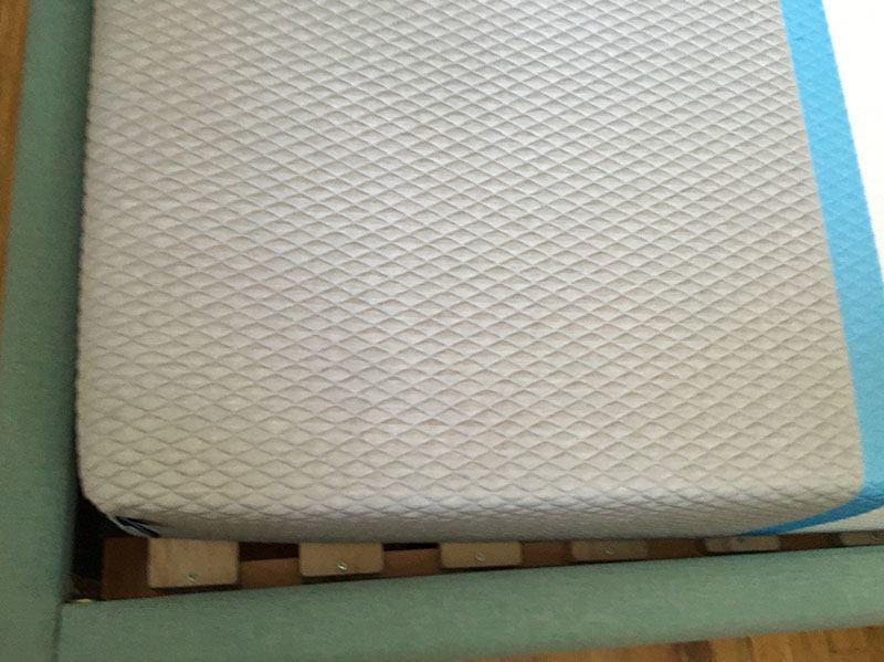 Hyphen mattress cover