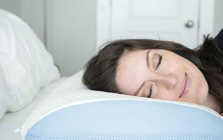 Bear Pillow Review - side sleeper