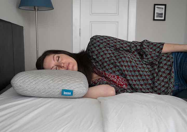 Leesa Pillow Review - side sleeper