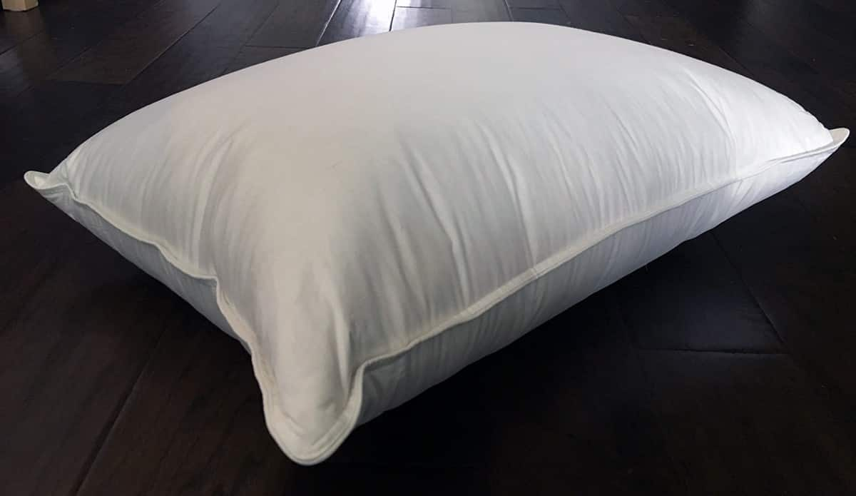 Brooklinen Mid Plush Down Pillow Review