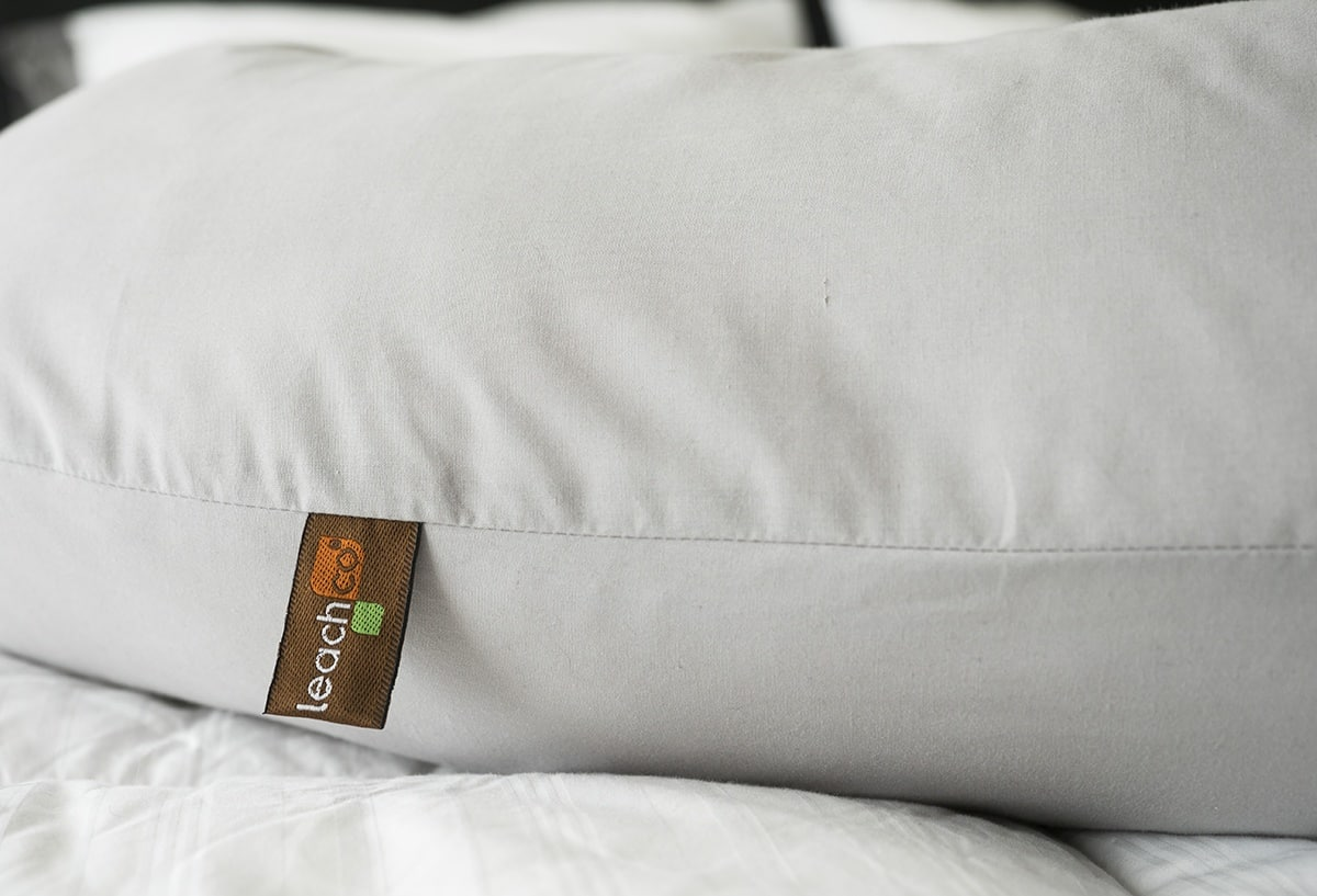 Leachco Snoogle Pregnancy Pillow Review The Perfect