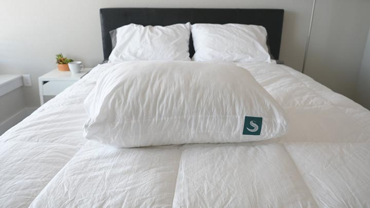 Sleepgram Pillow Review - firmness and feel