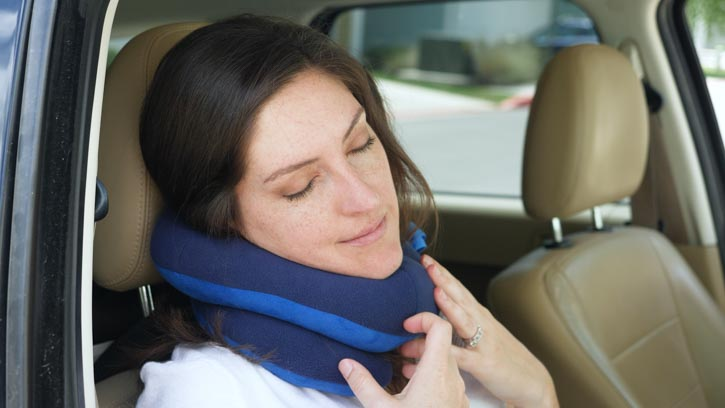 BCOZZY Travel Pillow provides solid chin support