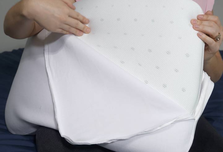 Casper foam pillow construction