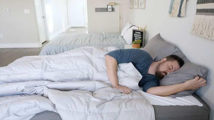 Casper Humidity Fighting Duvet - Side Sleeping