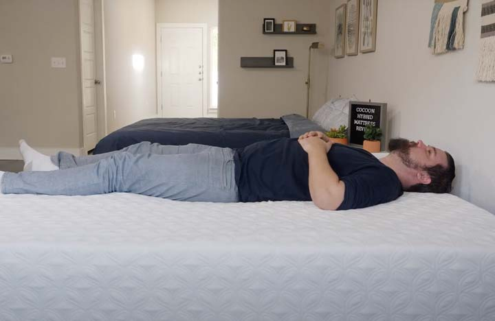 Cocoon Chill Hybrid - Back Sleeping