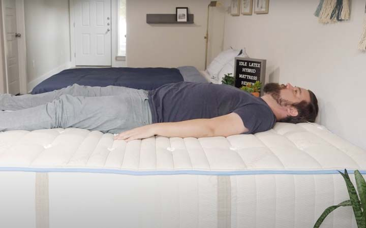 Idle Latex Hybrid - Back Sleeping